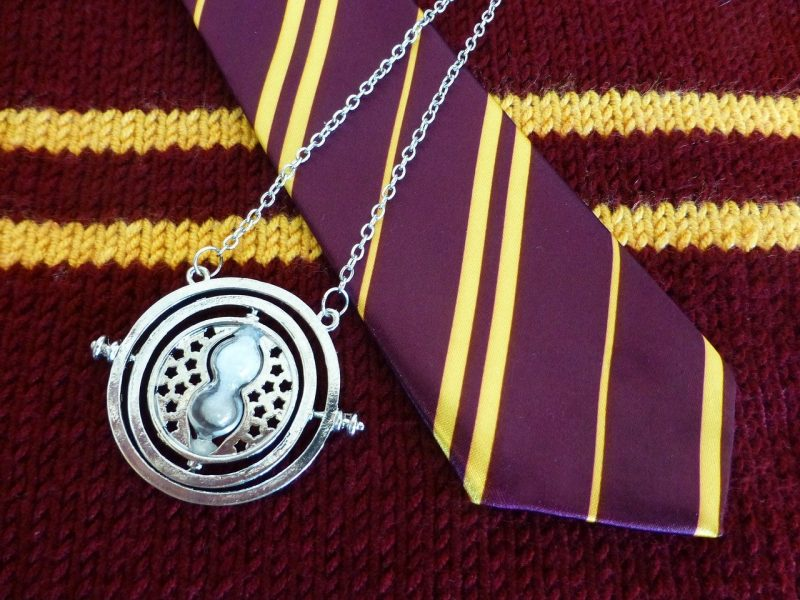 8 Incredible Gift Ideas for Every Harry Potter Fan [2021]
